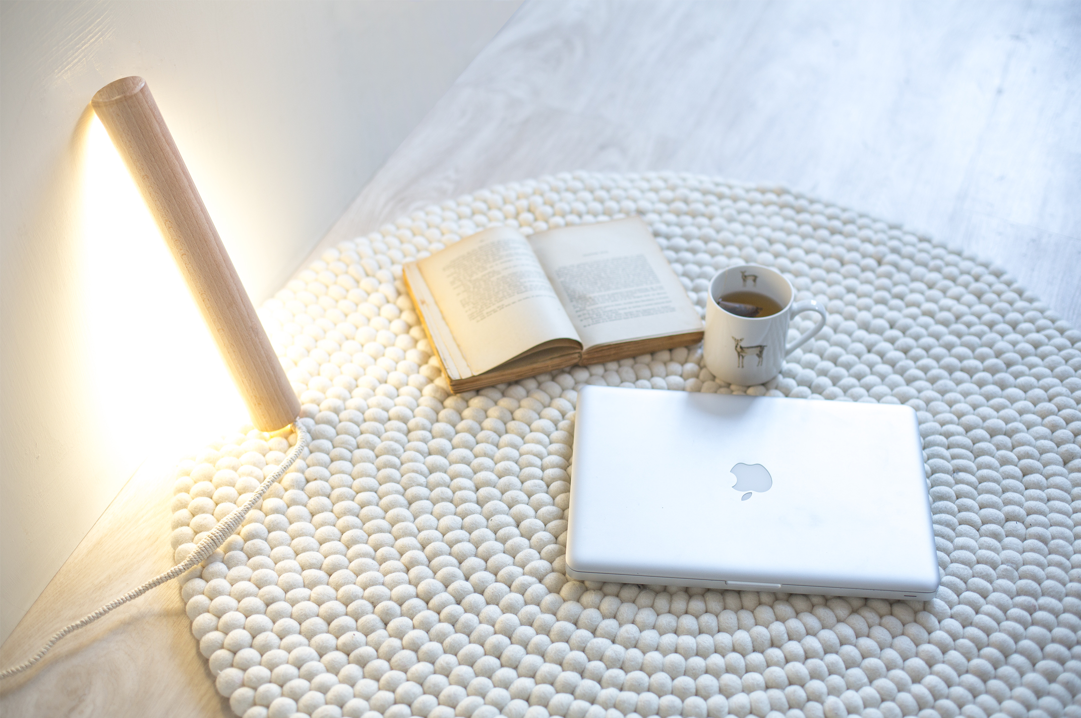 diy cr ez une lampe baladeuse en bois pur e la d licate parenth se diy d co et. Black Bedroom Furniture Sets. Home Design Ideas